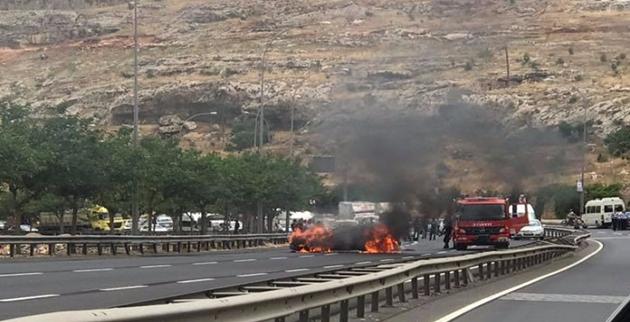Şanlıurfa'da Bir Araç Alev Aldı